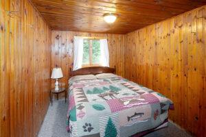 scenic-drive-resort-cedars-cabin-1-bedroom-1