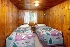 scenic-drive-resort-cedars-cabin-1-bedroom-2