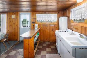 scenic-drive-resort-cedars-cabin-1-kitchen