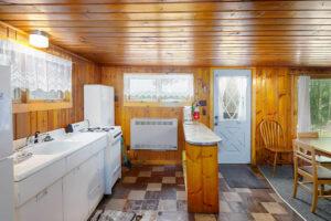 scenic-drive-resort-cedars-cabin-2-kitchen