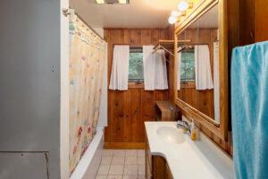 scenic-drive-resort-penthouse-bathroom