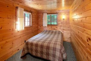 scenic-drive-resort-penthouse-bedroom-1