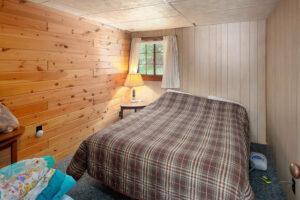 scenic-drive-resort-penthouse-bedroom-2