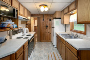scenic-drive-resort-penthouse-kitchen